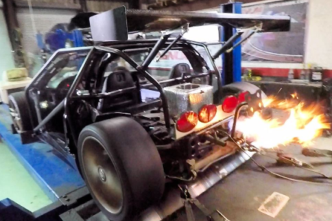 Video: Cleetus McFarland's Skeleton C5 Corvette Goes 9s